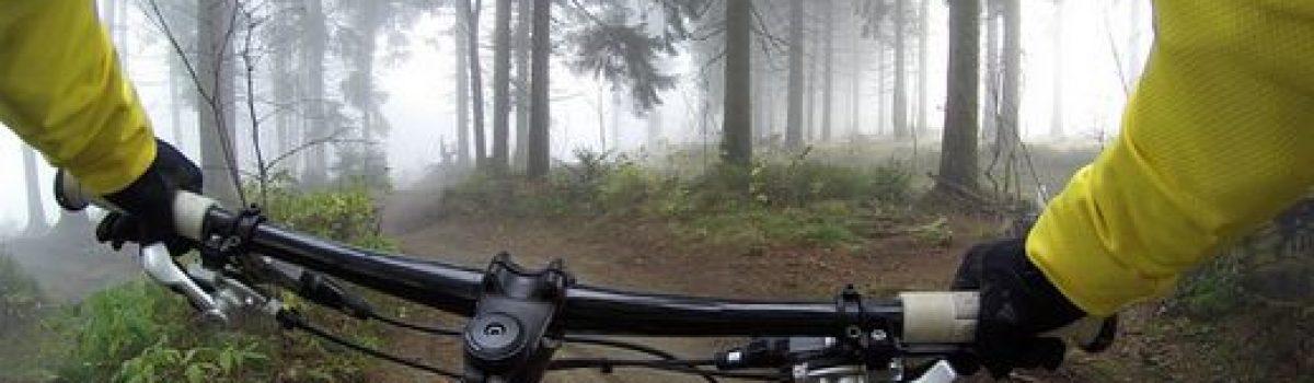 A pieds et à vélo